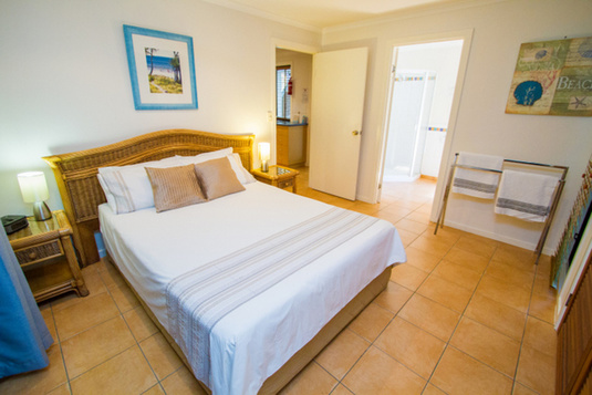 sunbird-gardens-bedroom-ensuite