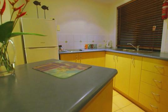 sunbird-gardens-villa-kitchen