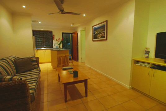 sunbird-gardens-villa-living-room